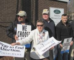 City of Huntsville may alter city ordinance to get pro-life protesters off abortion center sidewalk